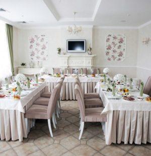 Украшение свадебного зала ресторана