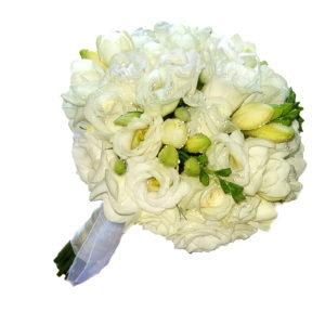 Свадебный букет невесты из белых роз и фрезии