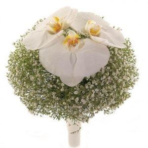 букет невесты из гипсофилы и орхидеи