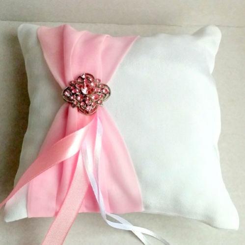 Подушка для обручальных колец с розовым бантом