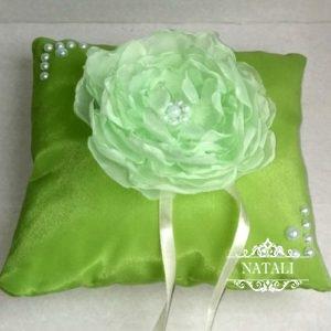 Салатовая подушка для обручальных колец салатовая с георгином
