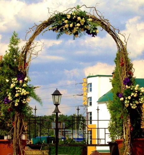 Свадебная арка из лозы