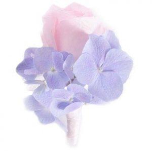 бутоньерка с розой и гортензией