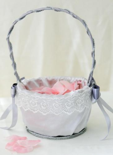Корзинка на свадьбу для лепестков роз