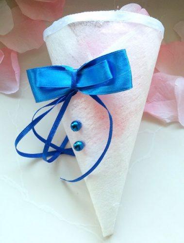 Пакетик с бантиком для лепестков роз