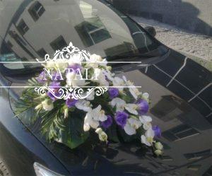 прокат композиции в сиреневом цвете на свадебное авто