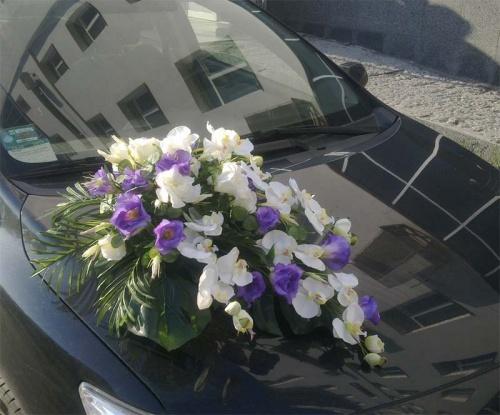 Прокат прикрас на весільні авто