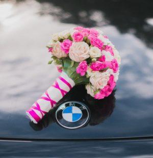 свадебный букет из кустовых роз, букет невесты из кустовыз роз, яркий свадебный букет