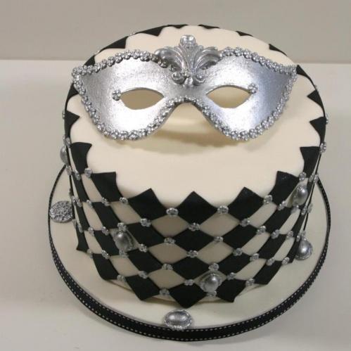 """весільний торт чорно-білий """"Карнавал"""""""