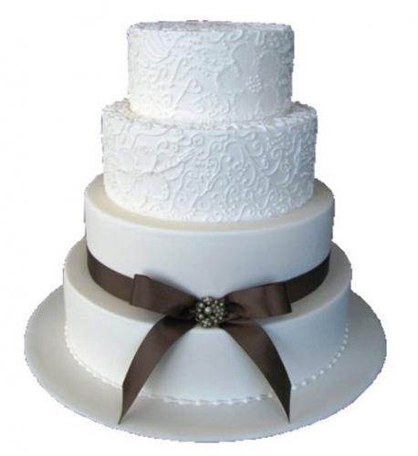 Свадебный торт в белом цвете