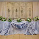 свадебные композиции на стол молодоженам
