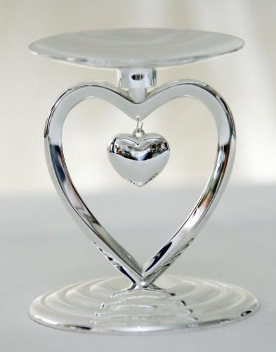 подсвечник в форме сердца