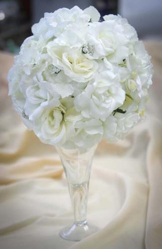 Декоративный шар из искусственных роз для декора, прокат