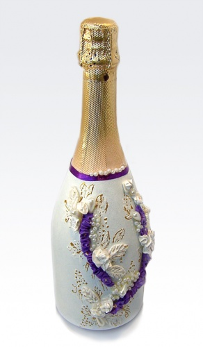 Декор шампанского на свадьбу фиолетового цвета