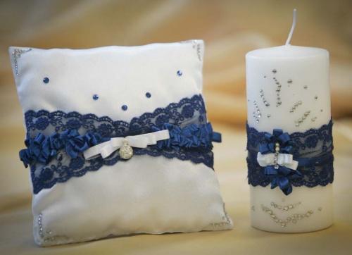 свадебная подушечка для колец в синем цвете