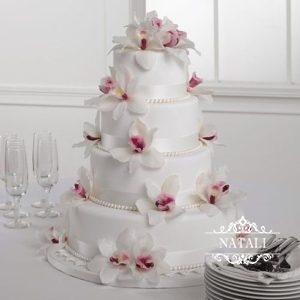 четырехъярусный свадебный торт