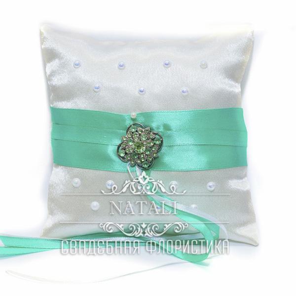 Свадебная подушечка цвета мяты для обручальных колец.
