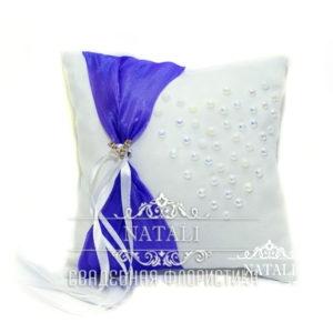белая подушка для колец с фиолетовой лентой ручной работы