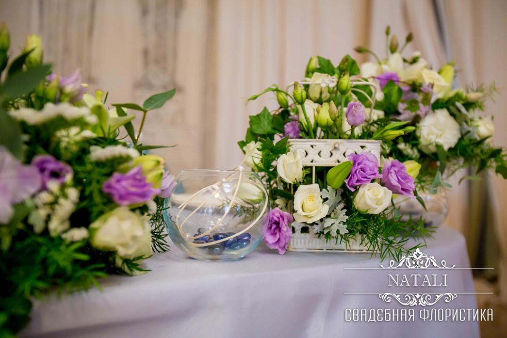 Цветы на гостевых столах