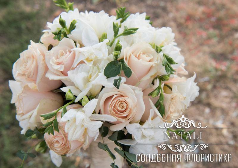 Прокат цветочных шаров для свадебного украшения
