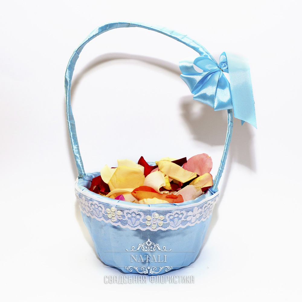 Корзинка для лепестков в голубом цвете