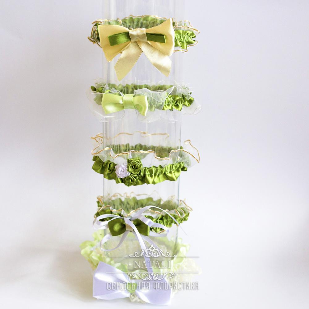 Свадебные подвязки в зеленом цвете для невесты