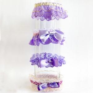 Свадебные подвязки в сиреневом цвете для невесты