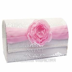 Белый сундучок для сбора денег с розовым пионом