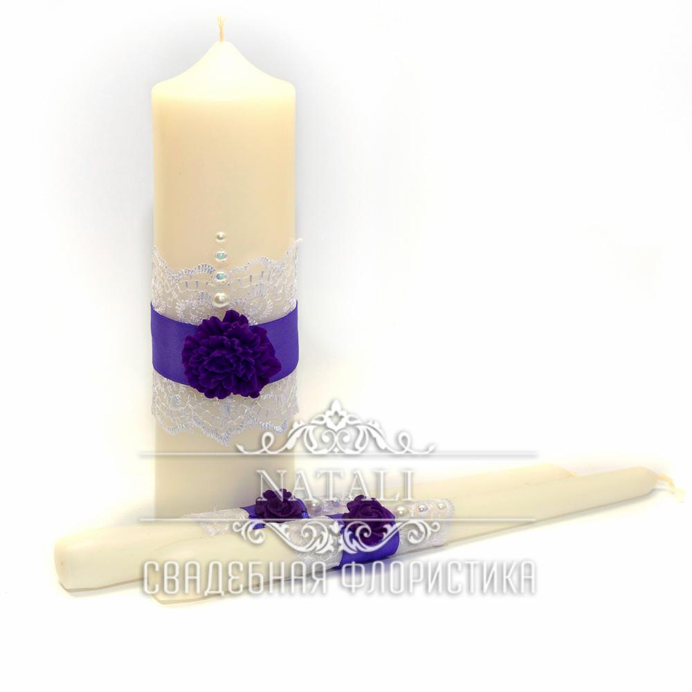 Свадебные свечи с фиолетовой лентой