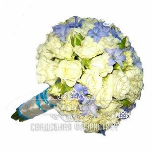 Свадебный букет с белой Свадебный букет из белой розы и геоцинтов