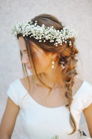 Венок для свадебной прически из гипсофилы