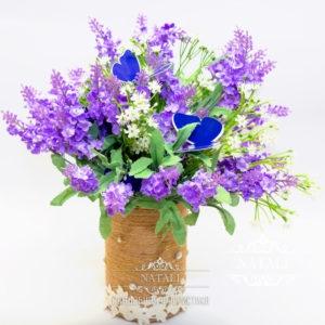 Композиции из лаванды в сиреневом цвете