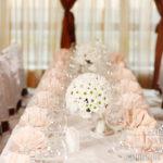 свадебное украшение на гостевой стол