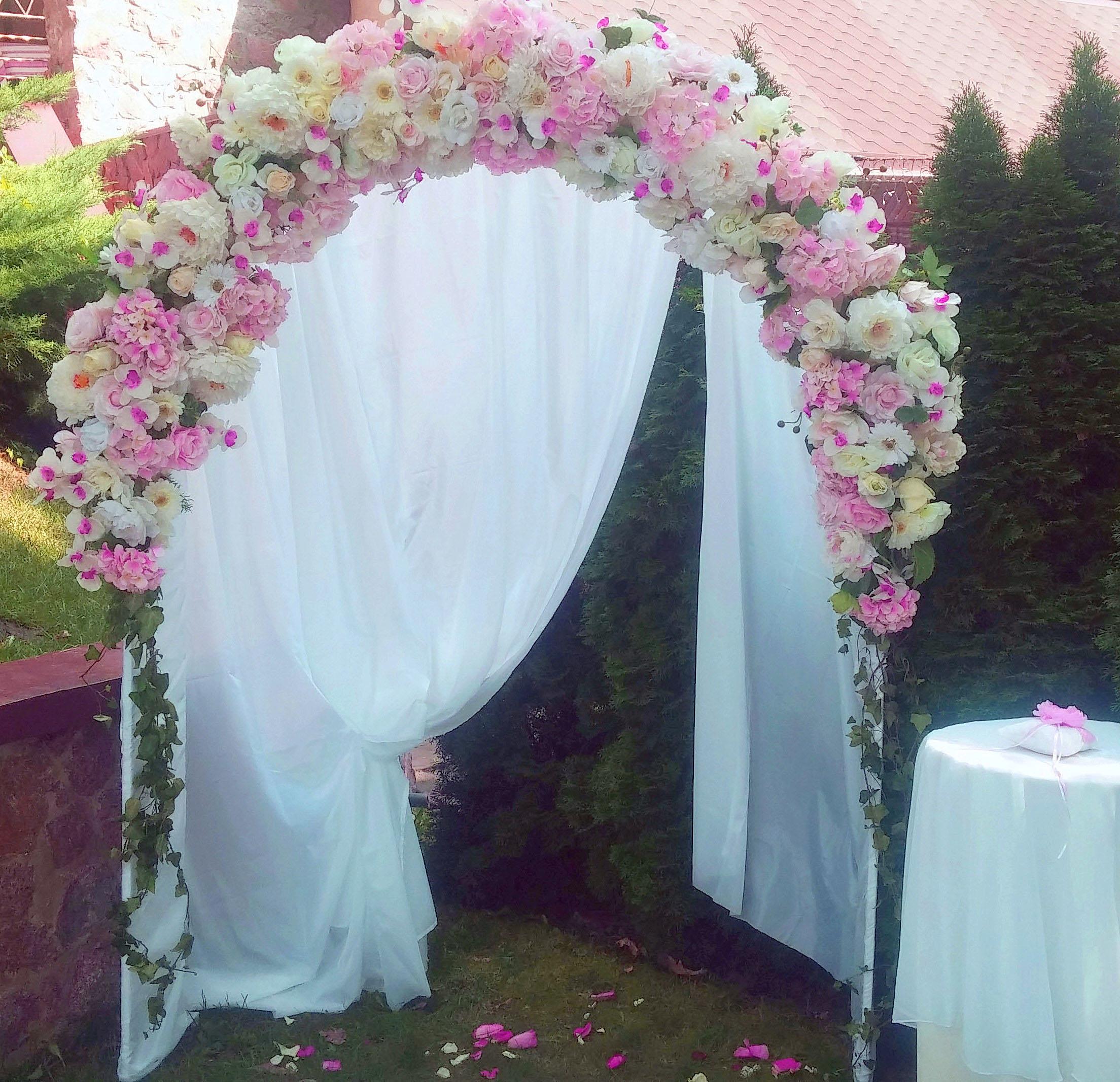 Свадебная арка в ресторане Калыба Хаус
