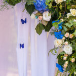свадебная арка из живых цветов