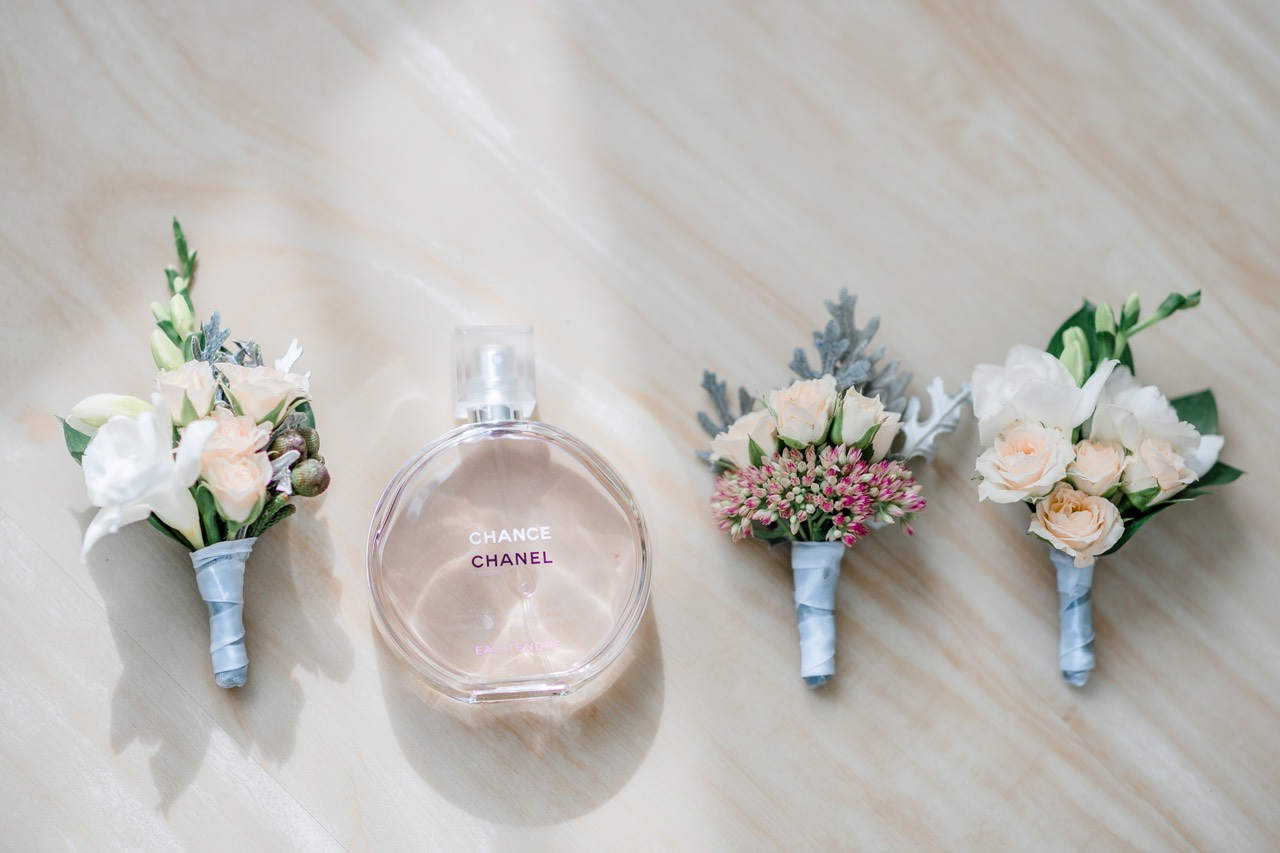 Свадебные бутоньерки для жениха и свидетеля