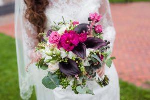 Свадебный букет в сливовом цвете