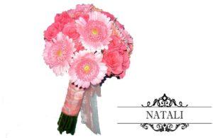 Свадебный букет невесты из роз и гербер