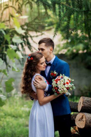 Свадебный букет из эустомы и год