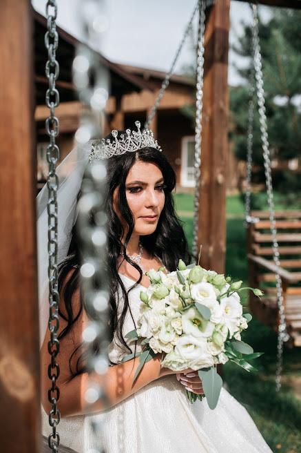 Свадебный букет в пастельном и белом цвете